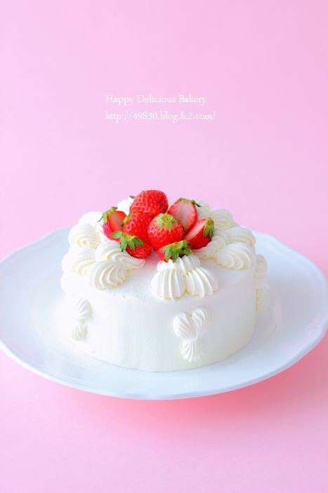 325イチゴケーキ
