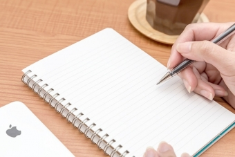 ノートに書き込み