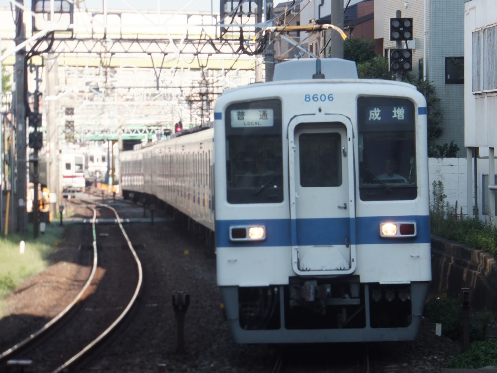 s_8506F.jpg
