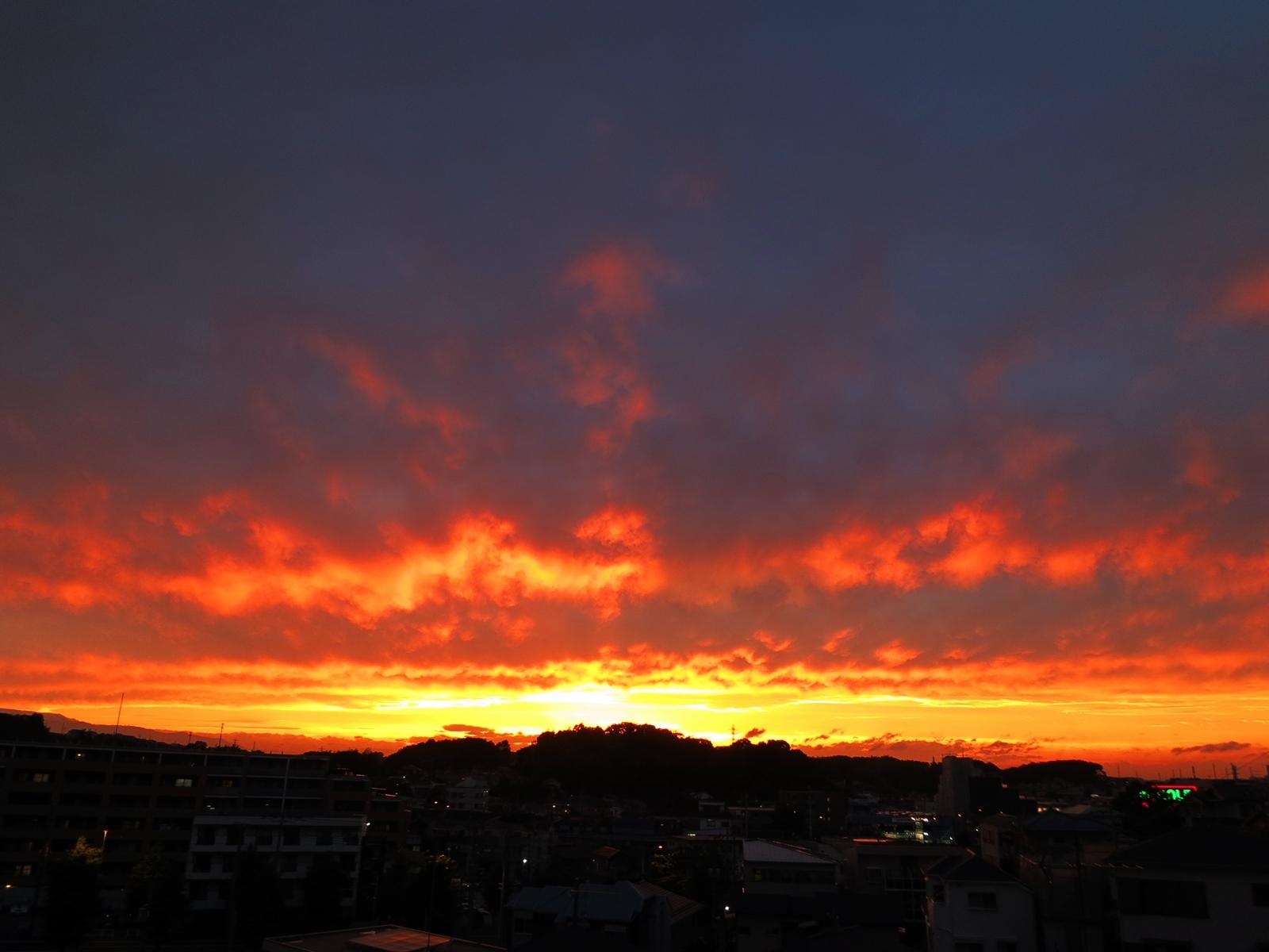 16月の夕焼け