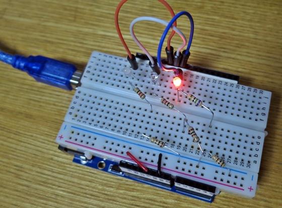 3色LED明滅回路