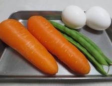 にんじんと鶏もも肉の煮物 材料①