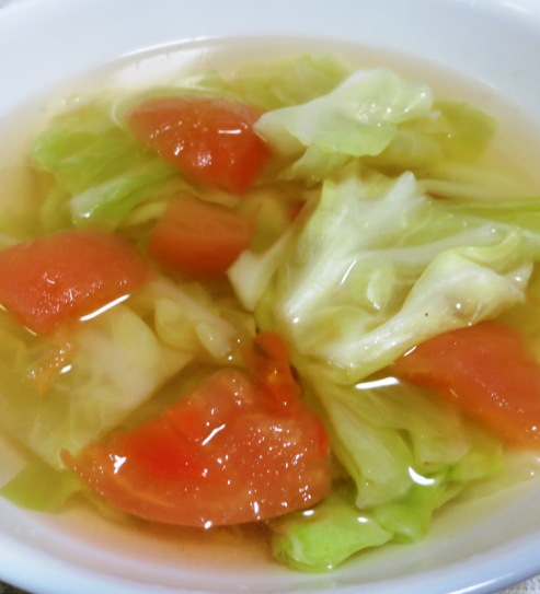 キャベツとトマトのスープ B