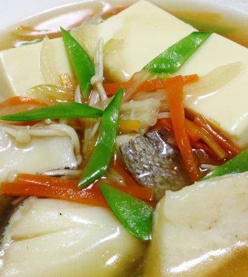豆腐と鱈(たら)の中華風煮込み 拡大