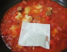 鶏肉とキャベツのトマト煮 調理②