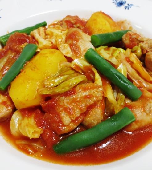 鶏肉とキャベツのトマト煮 B