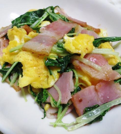 水菜とベーコンの炒り卵ソテー 大