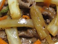牛肉と白菜の芯の炒め物 調理②