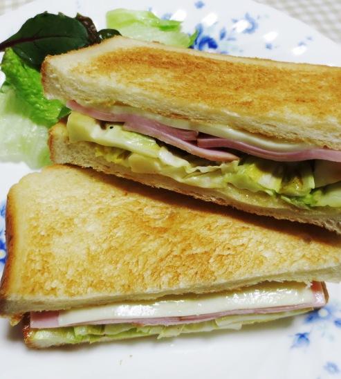 キャベツとハムのサンドイッチ 大