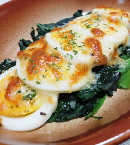 ほうれん草とゆで卵のチーズ焼き B