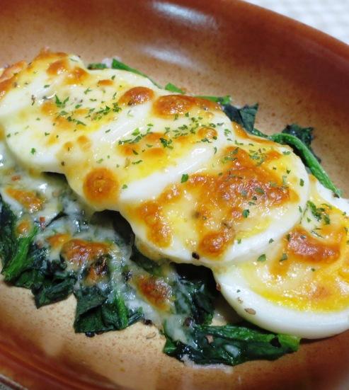 ほうれん草とゆで卵のチーズ焼き 拡大