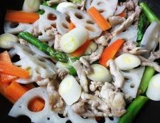 豚肉と根菜の黒胡椒炒め 調理④