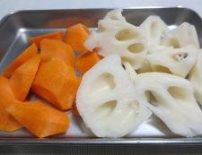 イカと根菜の柚子こしょう煮 調理①