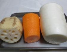 イカと根菜の柚子こしょう煮 材料②