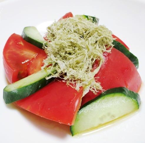 トマトとろろ昆布サラダ B