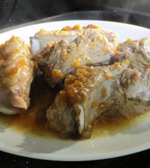 スペアリブの焼肉のタレ蒸し 拡大