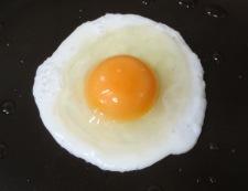 玉ねぎとソーセージのスイーツバジルソテー 調理②