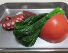 タコとトマトの麺つゆわさびサラダ 材料