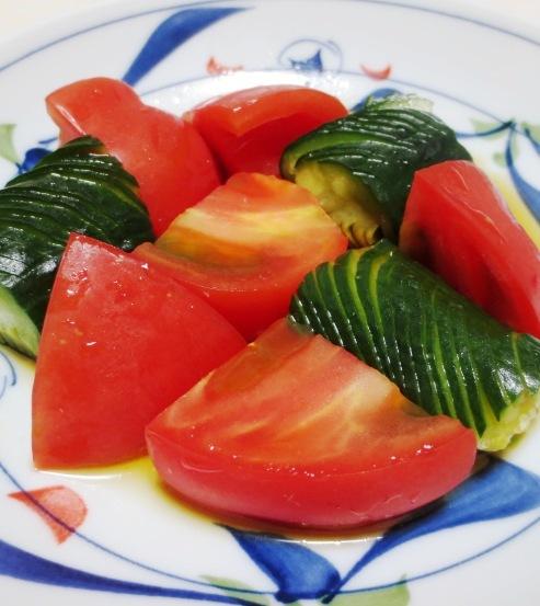 蛇腹きゅうりとトマトのサラダ 大