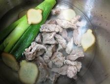 牛すじと青ねぎの煮物 調理②