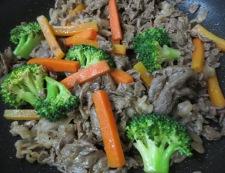 牛肉炒め 調理②