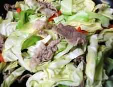 豚こまの自家製焼肉のタレ炒め 調理①
