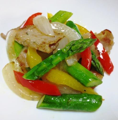 豚肉とアスパラの黒胡椒炒め B
