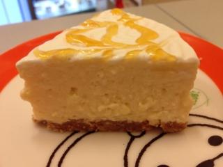 あんずのレアチーズケーキ
