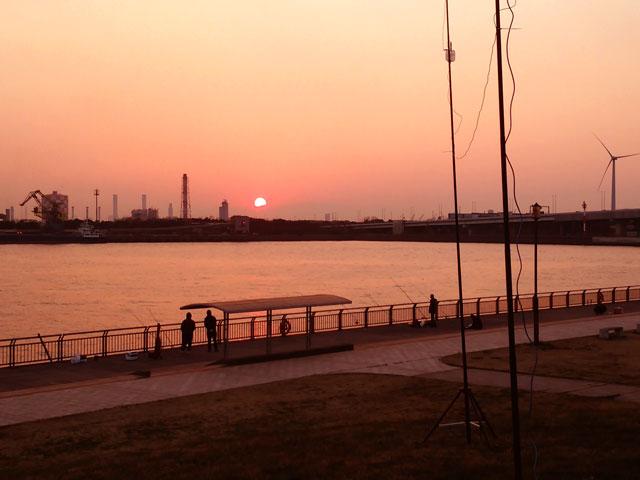 2015年3月 東扇島西公園でDX中の夕日