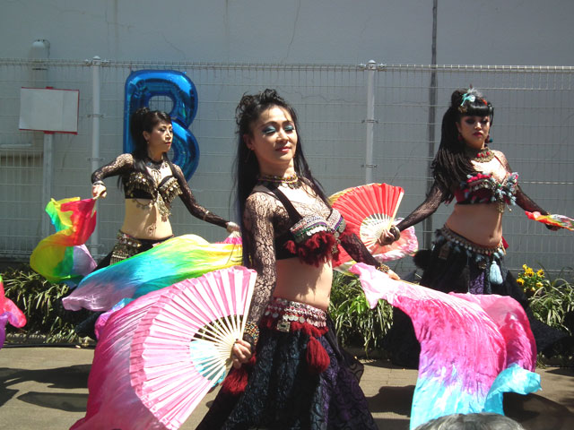 2015野毛大道芸 アルカラマーニ ダンス オリエンタル カンパニー(4)