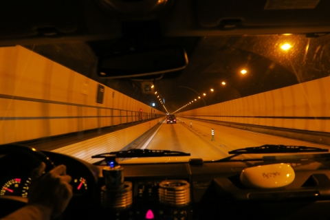 01東名都夫良野トンネル