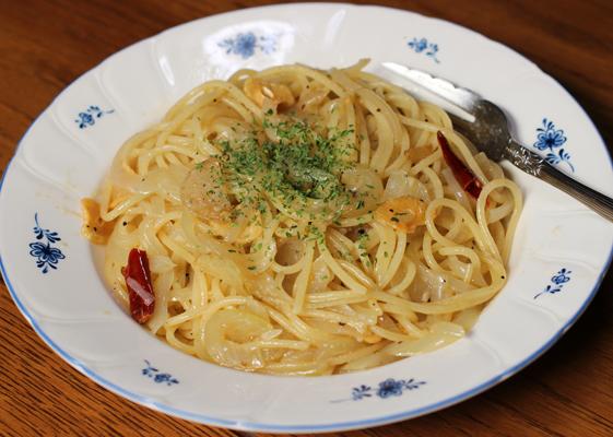 玉葱のペペロンチーノ