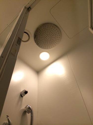 天井からレインシャワー