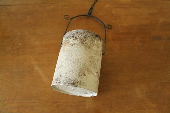 20150529ガラクタを壁掛け用の鉢にリメイク (5)