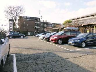 14-12-21 駐車場