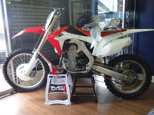 20150509CRF450_supermotard_custom-4.jpg