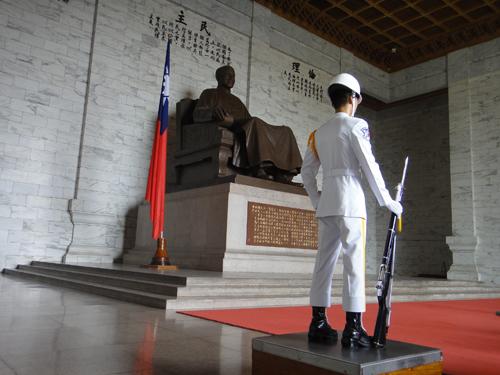 201506National_Chiang_Kai_shek_Memorial_Hall-11.jpg