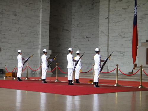 201506National_Chiang_Kai_shek_Memorial_Hall-9.jpg