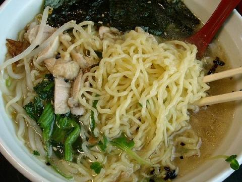つか乃間・H26・7 鶏エビそば 麺