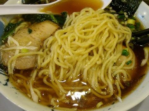 ななひら・H26・8 中華そば 麺