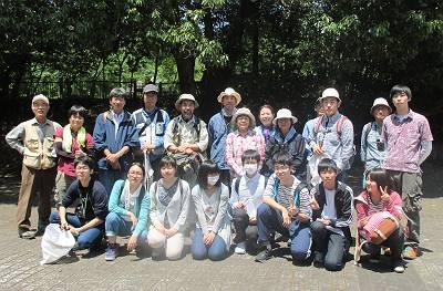小幡緑地にてクモ観察会記念写真s-s