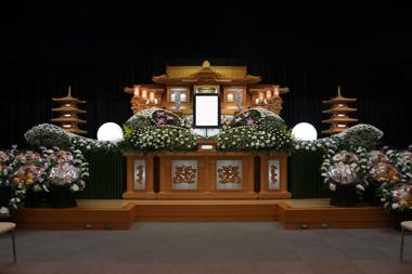 大きな花祭壇「誠」1