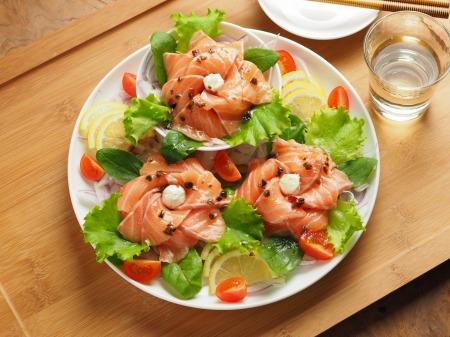 サーモン海鮮サラダ18