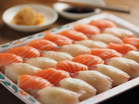 サーモンとカンパチの握り寿司15