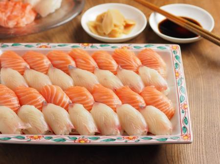 サーモンとカンパチの握り寿司02