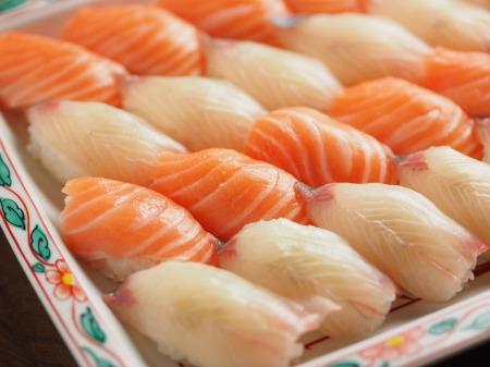 サーモンとカンパチの握り寿司11