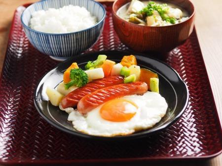 コロコロ野菜サラダ朝食01