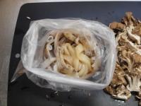 スルメイカと舞茸の柔らか炒め33