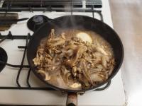 スルメイカと舞茸の柔らか炒め38