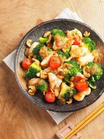 鶏むね肉とブロッコリーの焼きラ06